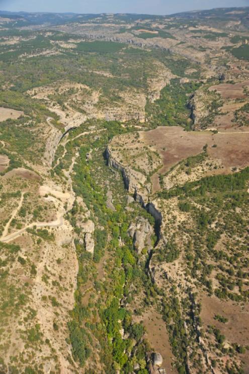 kirpe, sircali ve sakaralan kanyonlarinin bilesimi